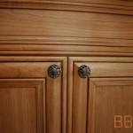 06-tile-cabinet